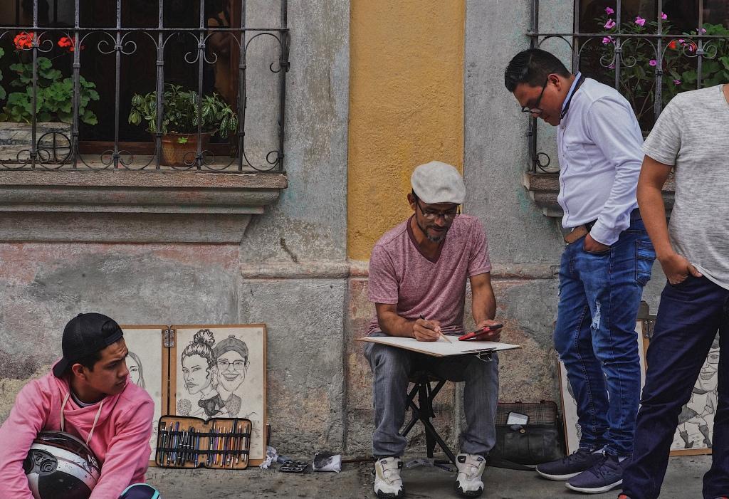 antigua_guatemala_street_artist