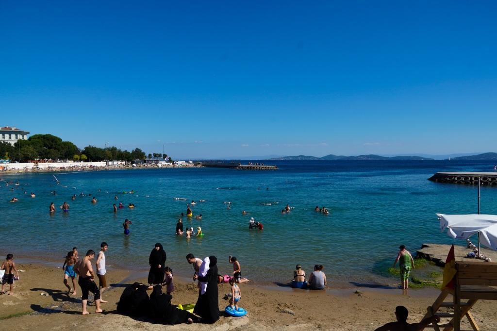Caddebostan_beach_istanbul